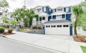 Zooey Deschanel's Manhattan Beach Home