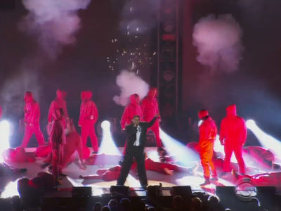 Kendrick Lamar Opens Grammys 2018 By 'Shooting' Dancers