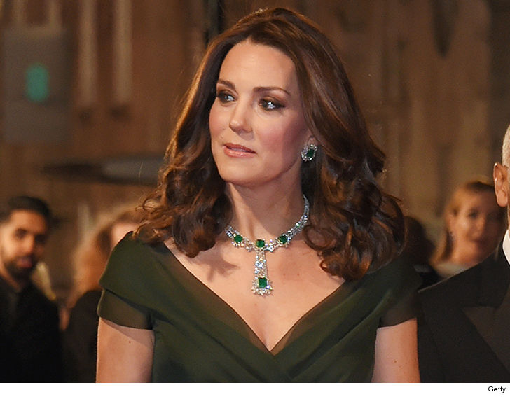 Kate Middletons Green Dress To Bafta More About Pregnancy Than