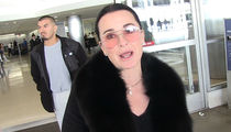 Kyle Richards Spots Rat in Restaurant, Only Gets Half Off Meal