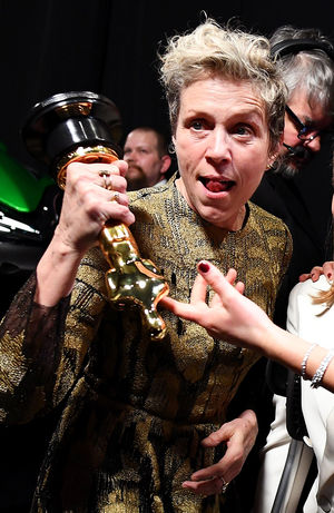 Frances McDormand with her Oscar