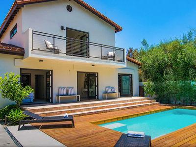 Rihanna Finally Sells West Hollywood Home For $2.85 Million