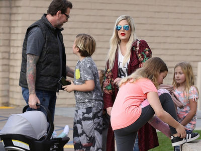 Tori Spelling and Entire Family Grab Dinner Days After Welfare Check