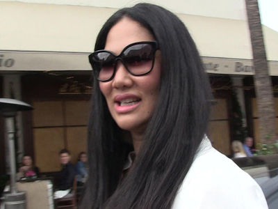 Kimora Lee Simmons Target Of Bathroom Stall Death Threat