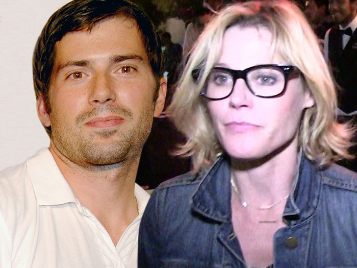 Julie Bowen's estranged husband wants her to pay up in their divorce case.