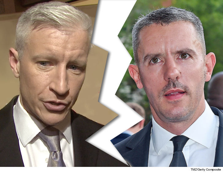 b148d61efd5 Anderson Cooper has officially split from his longtime boyfriend