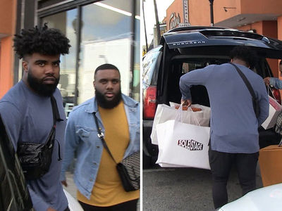 Ezekiel Elliott Drops Gs in Offseason Sneaker Shopping Spree