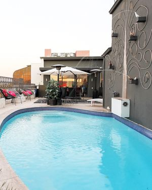 Liberace's Remodeled LA Penthouse