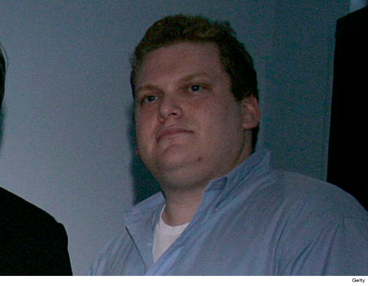 Music manager Jordan Feldstein -- Jonah Hill's older brother -- had Whip-It canisters all over the room where he was found dead.