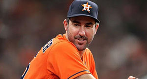 Justin Verlander Hilariously Fires Back At Heckling Fan With Great Sign