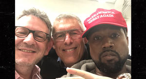 Kanye's MAGA Pic with Lyor Cohen NOT Making Alt-Right Hand Gesture