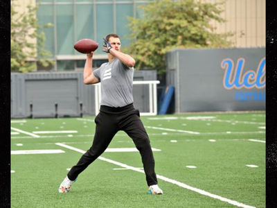 Tom Brady Runs Offensive Drills with UCLA Football Team
