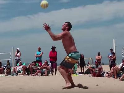 Luke Walton Is A Beast At Beach Volleyball, Seriously