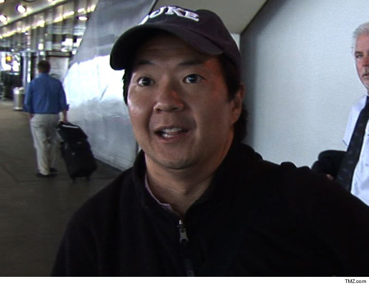 Actor-comedian Ken Jeong stops show to rescue fan