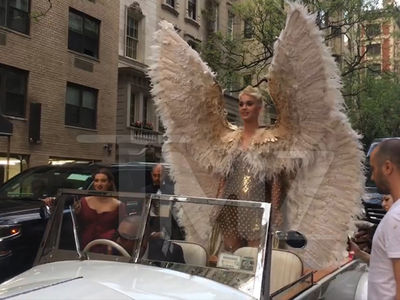 Katy Perry Nearly Missed Met Gala After Old, Classic Car Stalled