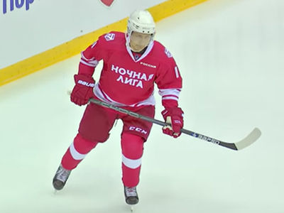 Vladimir Putin Dominates Russian Hockey Game, 5 Goals!