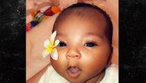 Khloe Kardashian Unveils Baby True