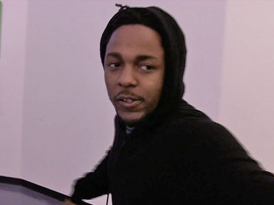 Kendrick Lamar Stops Show When White Fan Raps N-Word Onstage