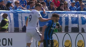 Zlatan Ibrahimovic Slaps Dude In the Ear, Gets Red Card