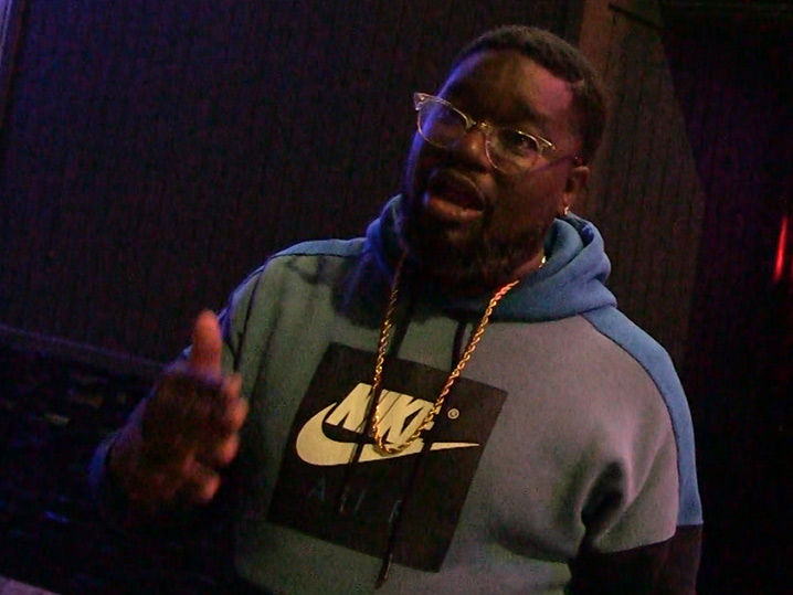 Lil Rel Howery Loves Kyrie Irving, So He's Happy Celtics Are Losing