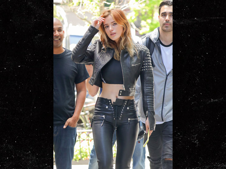 Bella Thorne Put on a Smoke Show in Her Leather Outfit