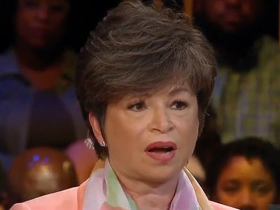 Obama Aide Valerie Jarrett Responds to Roseanne's Racist Twitter Attack