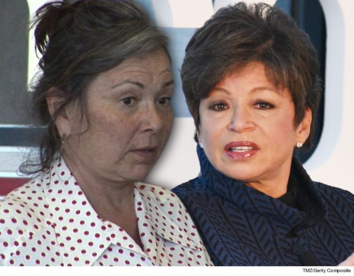 Roseanne Barr takes on disapproving co-stars on Twitter