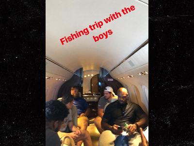 Ezekiel Elliott Takes His O-Line on Fishin' Trip In a Private Jet