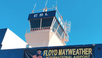Floyd Mayweather Gets Welcome Banner at Mexico Airport