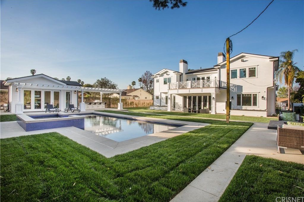 Image result for Jordan Clarkson Buys New L.A. Pad For $3.2 Mil