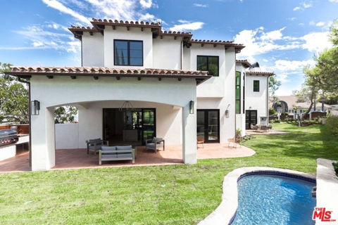 Serena Williams bought this Beverly Hills crib