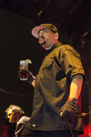 Ice-T Drinking Iced Tea