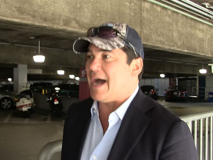 Dean Cain Says NFL Players Should Take Trump Up on Pardon Offer
