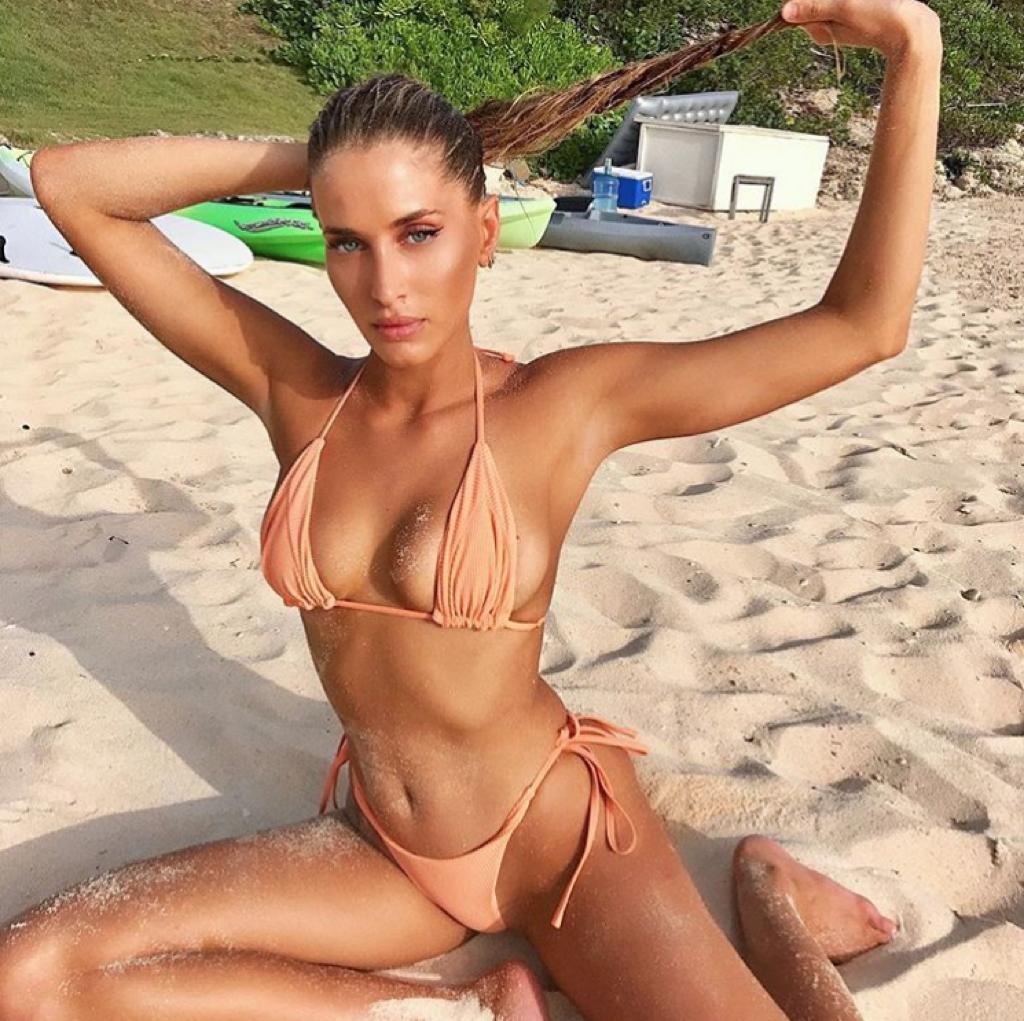 Francesca Aiello naked (75 photo), hacked Sideboobs, Snapchat, braless 2017