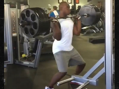 DeMarcus Ware Reps Monster 275-Pound Hang Power Cleans, 'Basic Tuesday'