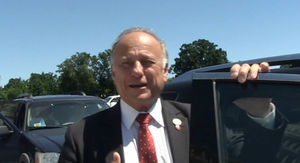 Rep. Steve King Defends Detention Centers for Immigrant Children