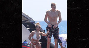 Knicks Star Kristaps Porzingis Nursing Injured ACL with Hot Bikini Babe