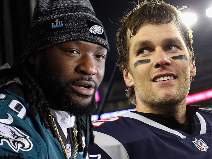 Tom Brady Congratulates LeGarrette Blount on Eagles Super Bowl Ring