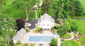 Muhammad Ali's Widow is Selling Fighter's Boxing Ring Farmhouse For $2.9 Mil