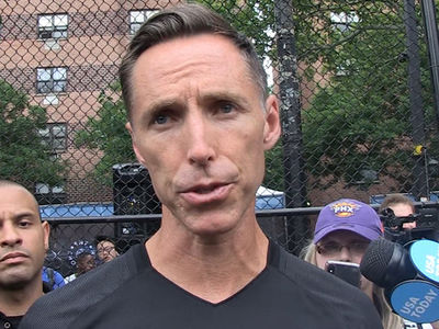 Steve Nash Says Dwight Howard Getting Traded Isn't His Fault