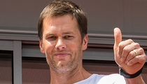 Tom Brady's All About #AssEatinSZN