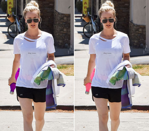 Can you spot the THREE differences in these Kaley Cuoco photos?
