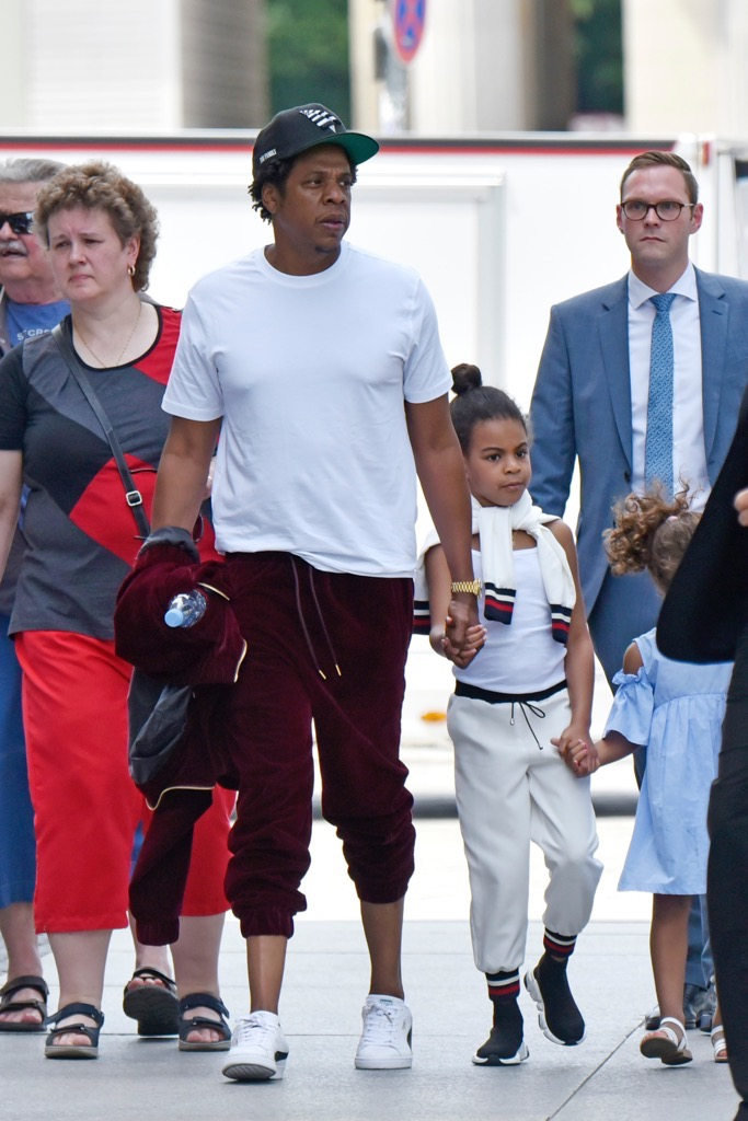 Jay-Z and Blue Ivy -- Daddy Daughter Day at the Park | Photo 10
