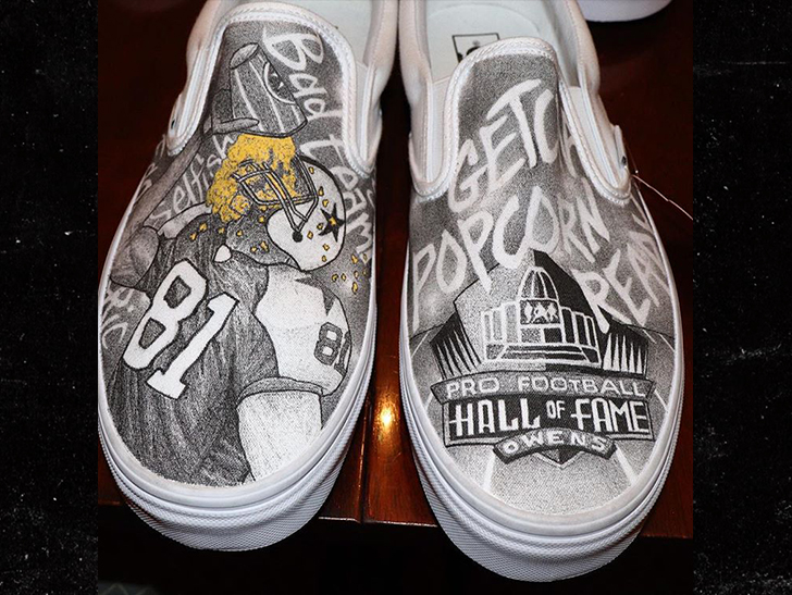 fadb1a06e3 Terrell Owens Gifts Custom Shoes to Fellow HOF Class Members. Breaking News