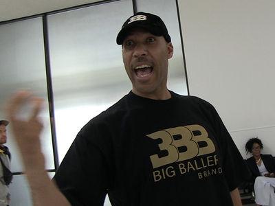LaVar Ball Denies Leaking Lonzo's Knee Injury News, 'I Don't Do That'
