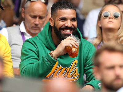 Drake Cheering On Serena Williams At Wimbledon, Exes Can Be Friends!!