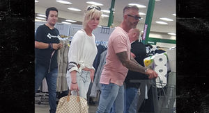 'Long Island Medium' Star Theresa's Estranged Husband Shopping with Mystery Woman