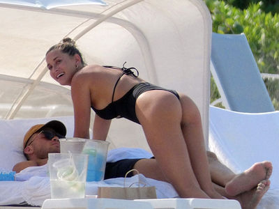 Blake Griffin's GF Smothers NBA Star In Tiny Bathing Suit
