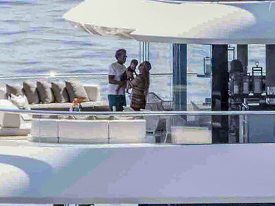 Jay-Z and Beyonce Bust Out the Twins On a Yacht