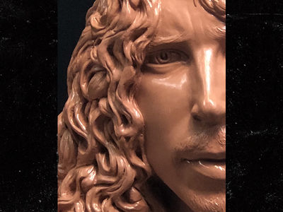 Chris Cornell Sculpture Completed